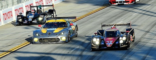 The Rebellion Lola Toyota, SRT Viper and Level 5 HPD fight for the same piece of tarmac (Photo: Jim Fonseca)