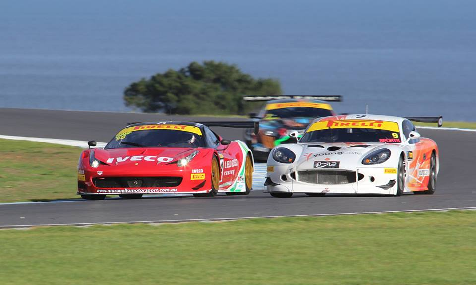 John Bowe (Ferrari) passes a Ginetta at Phillip Island. Bowe together with codriver Peter Edwards took a pair of fourths (Photo: Shannons Nationals/Nathan Wong)