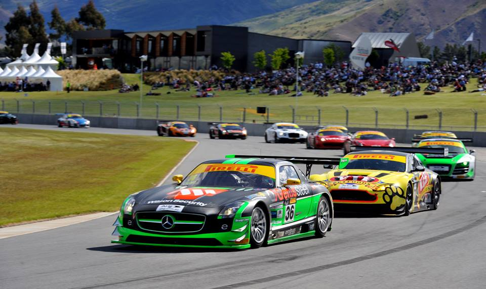Richard Muscat leads the field in the Erebus Mercedes SLS GT3. He would go onto clinch the race and the title (photo: mPix/Australian GT)