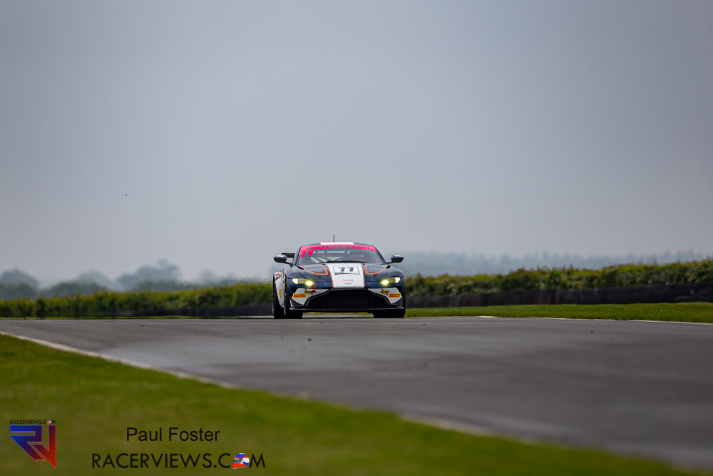 Gallery Of The British GT From Snetterton
